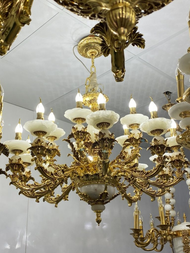đèn chùm châu Âu