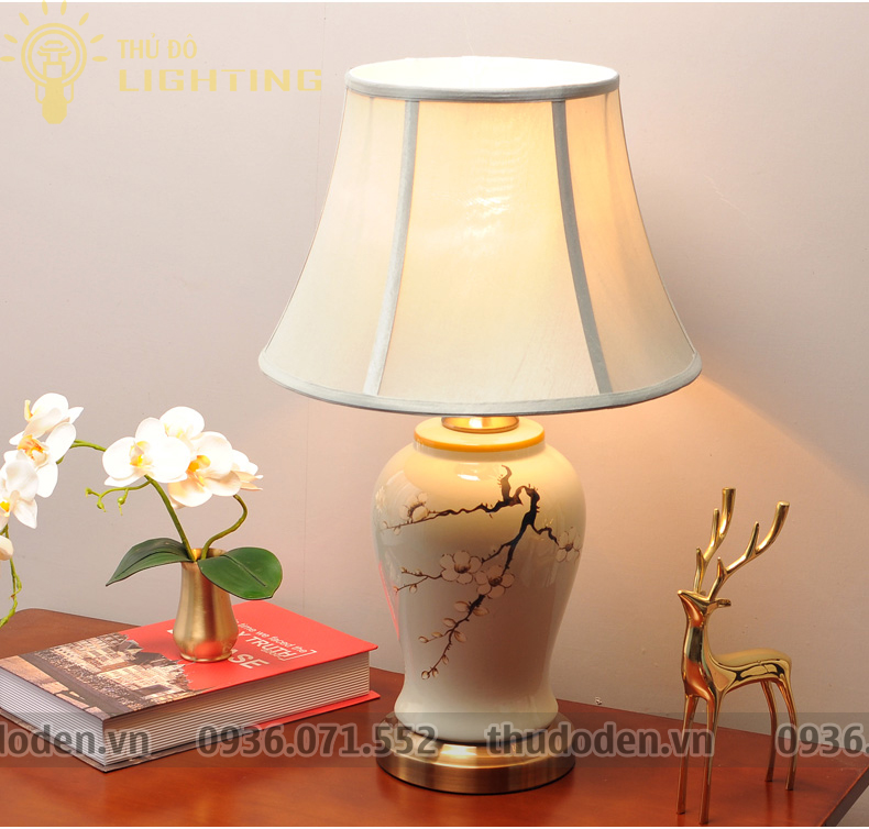 đèn bàn trang trí Nhất Chi Mai