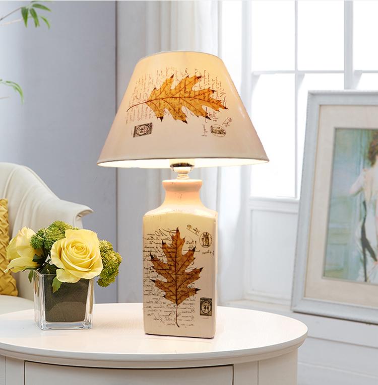 đèn bàn hiện đại Lá Vàng Mùa Thu
