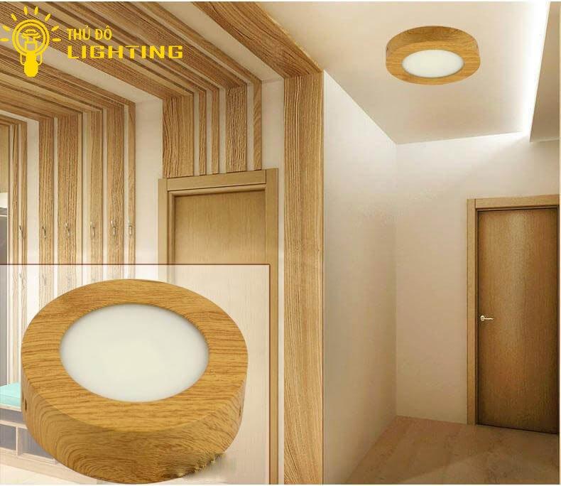 Đèn ốp trần gỗ được gia công tỉ mỉ