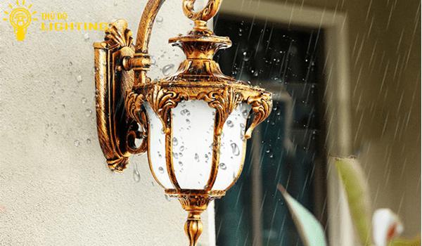 Đèn ngoại thất cổ điển