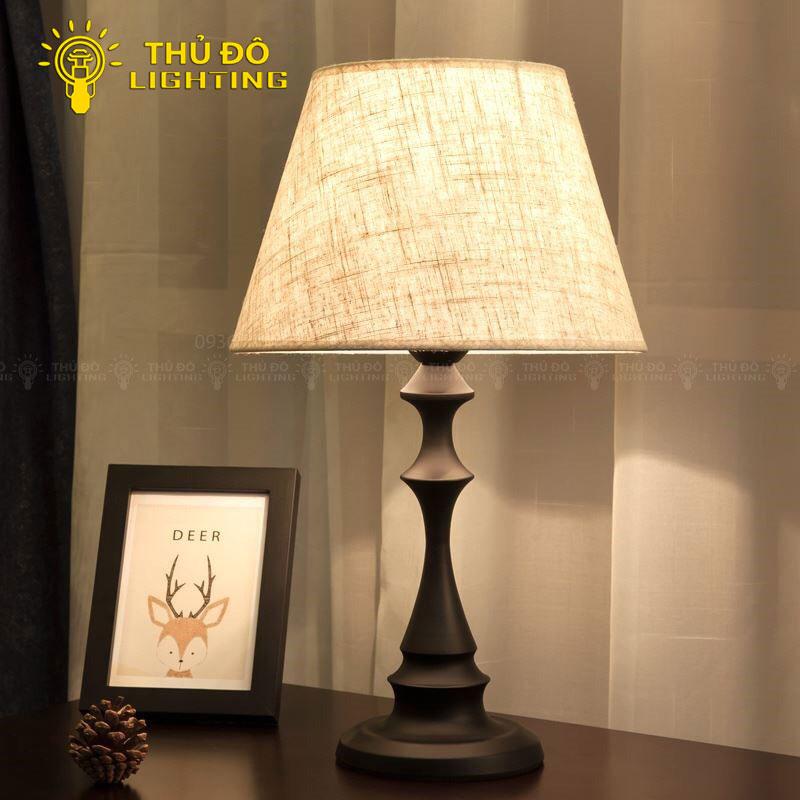 Đặc điểm nổi bật đèn bàn gỗ YJ01