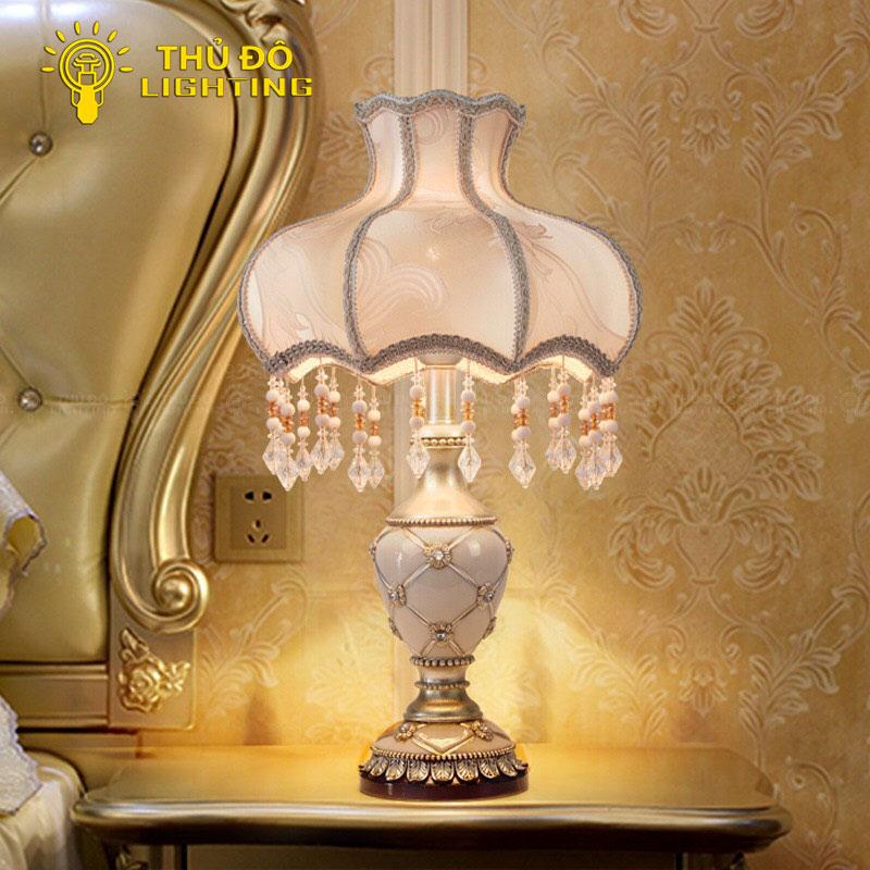 Ưu điểm của đèn ngủ để bàn trang trí 10665